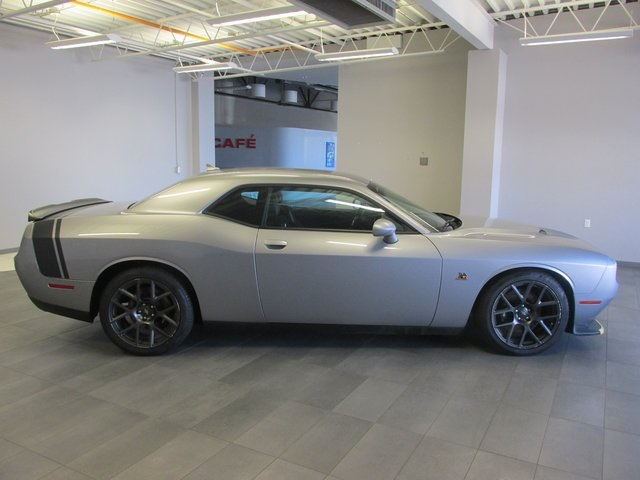 Certified Pre-Owned 2017 Dodge Challenger R/T